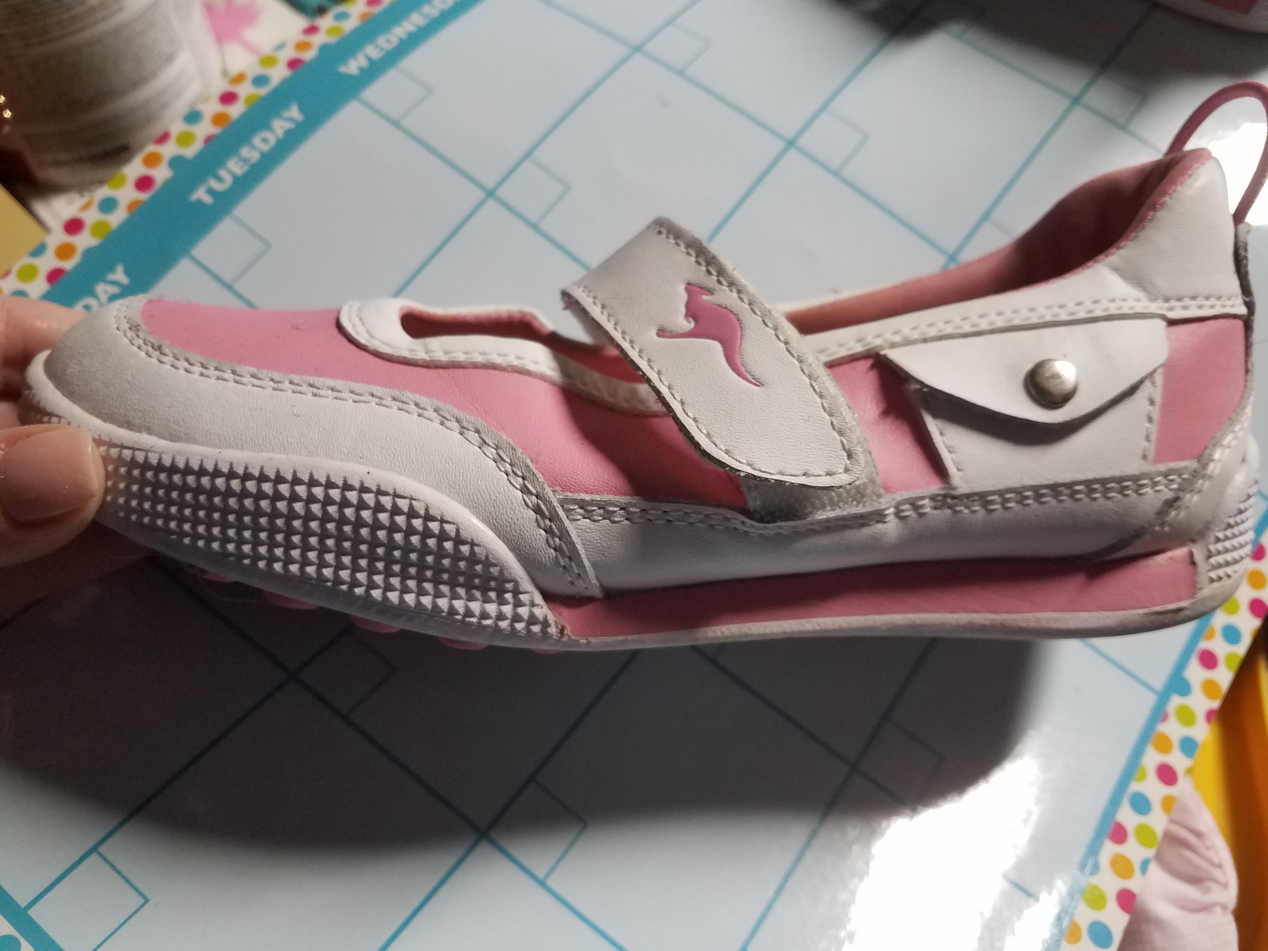 Girls pink/white Kanga mary janes