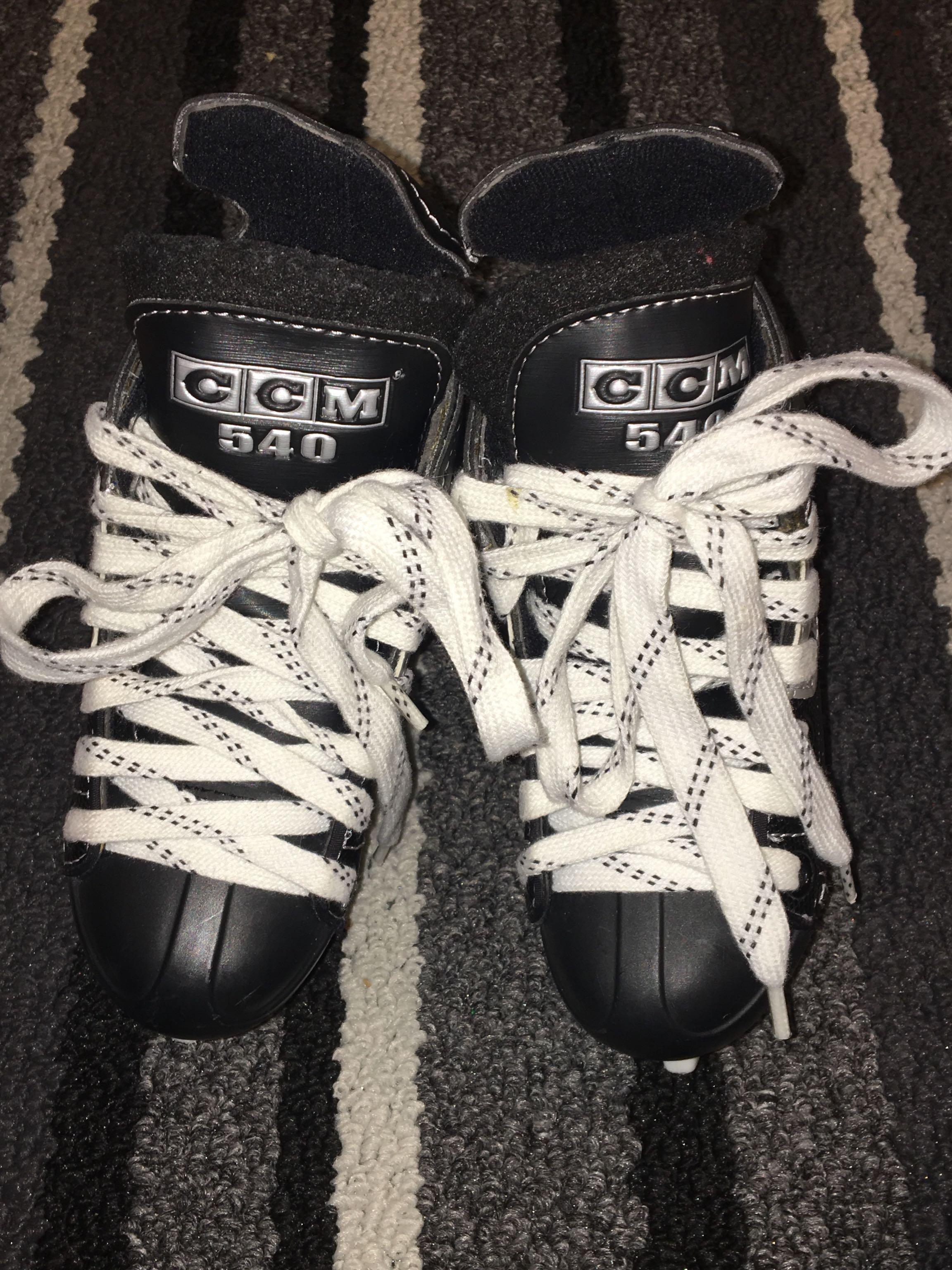 Toddler ice skates