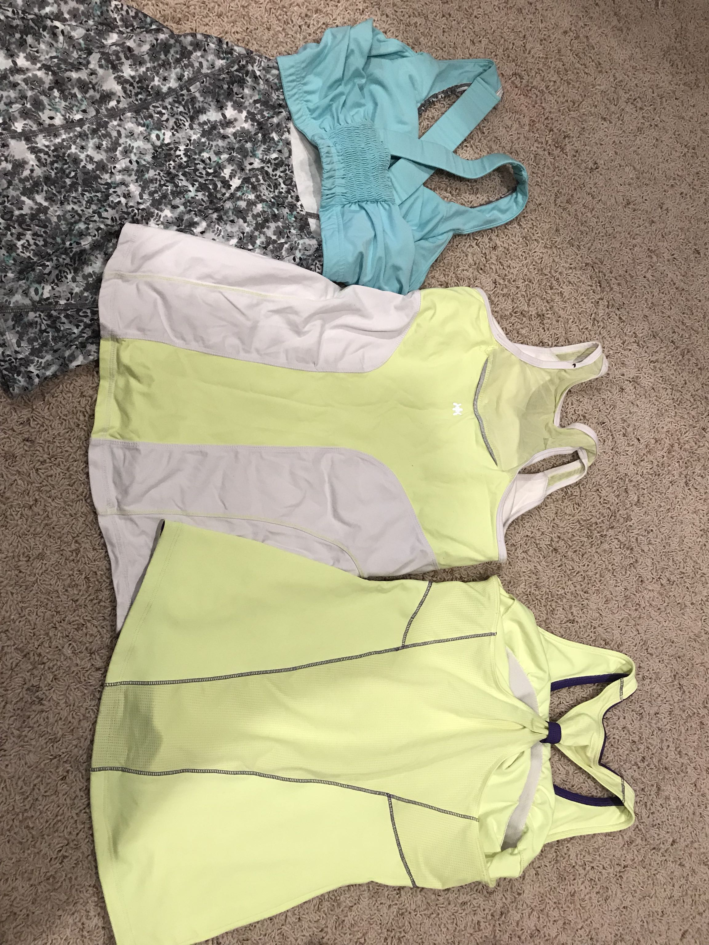 Work out tanks size small