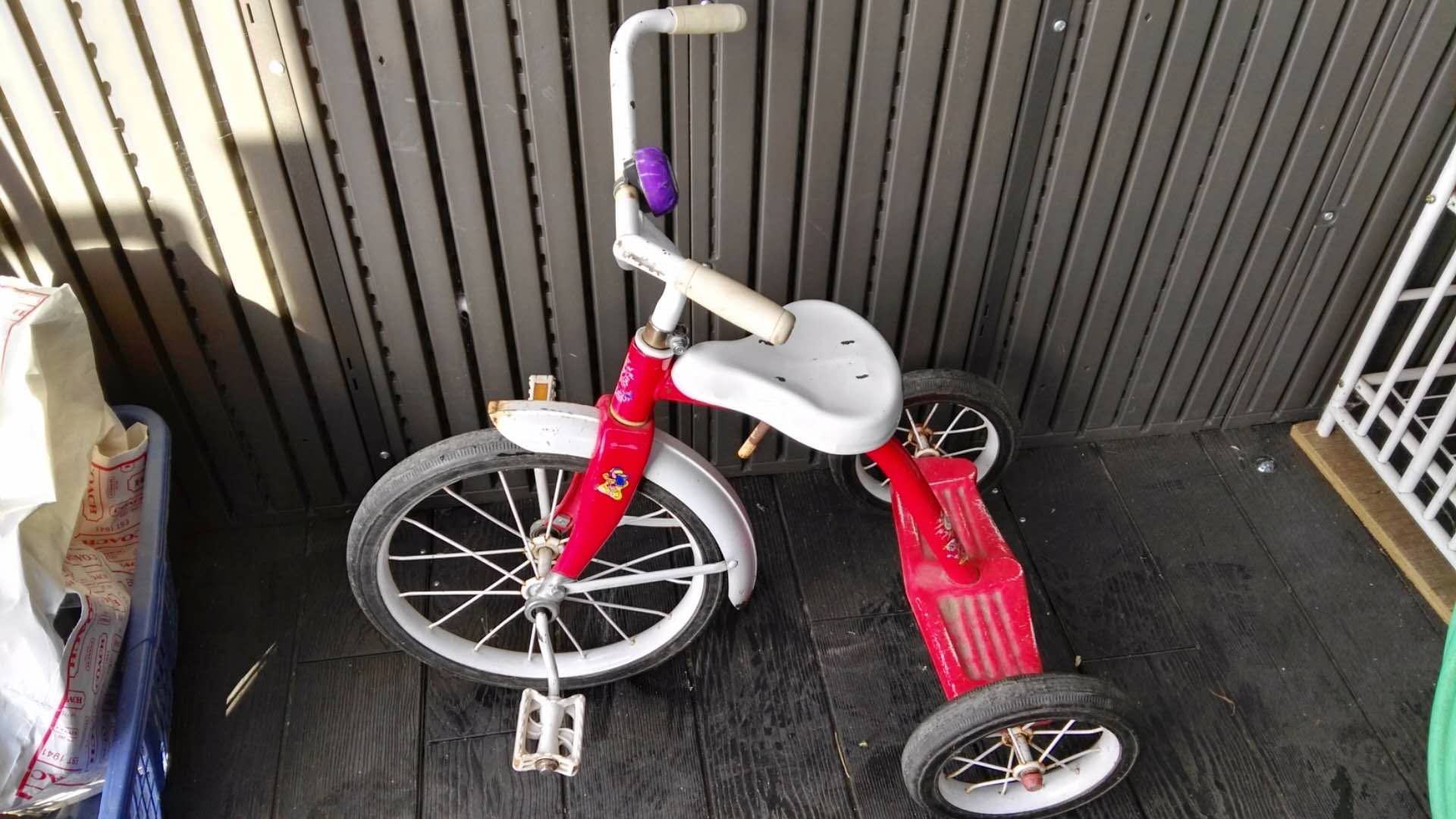 Moving Sale: kids tricycle
