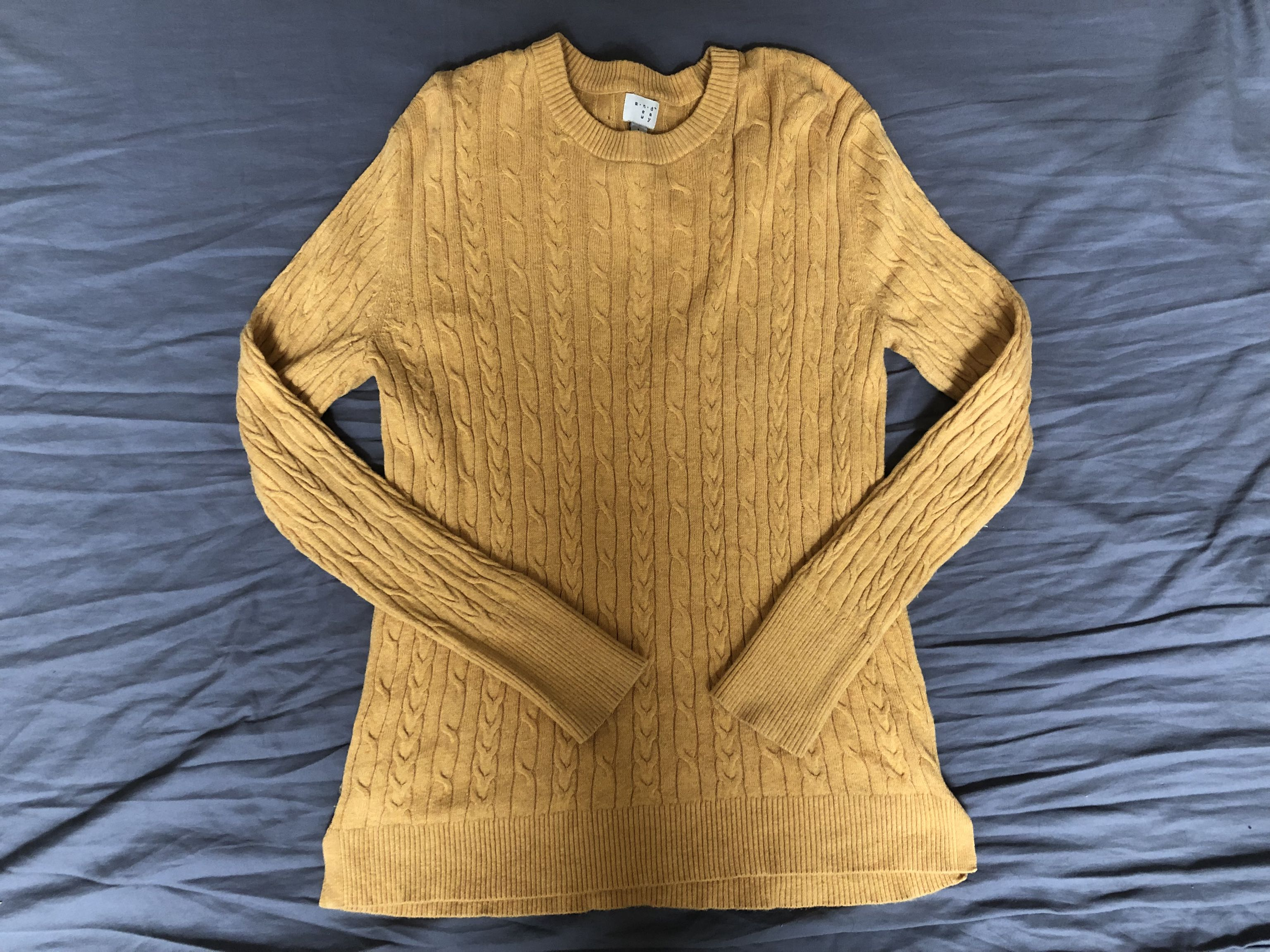 Women's sweater size large. Worn twice
