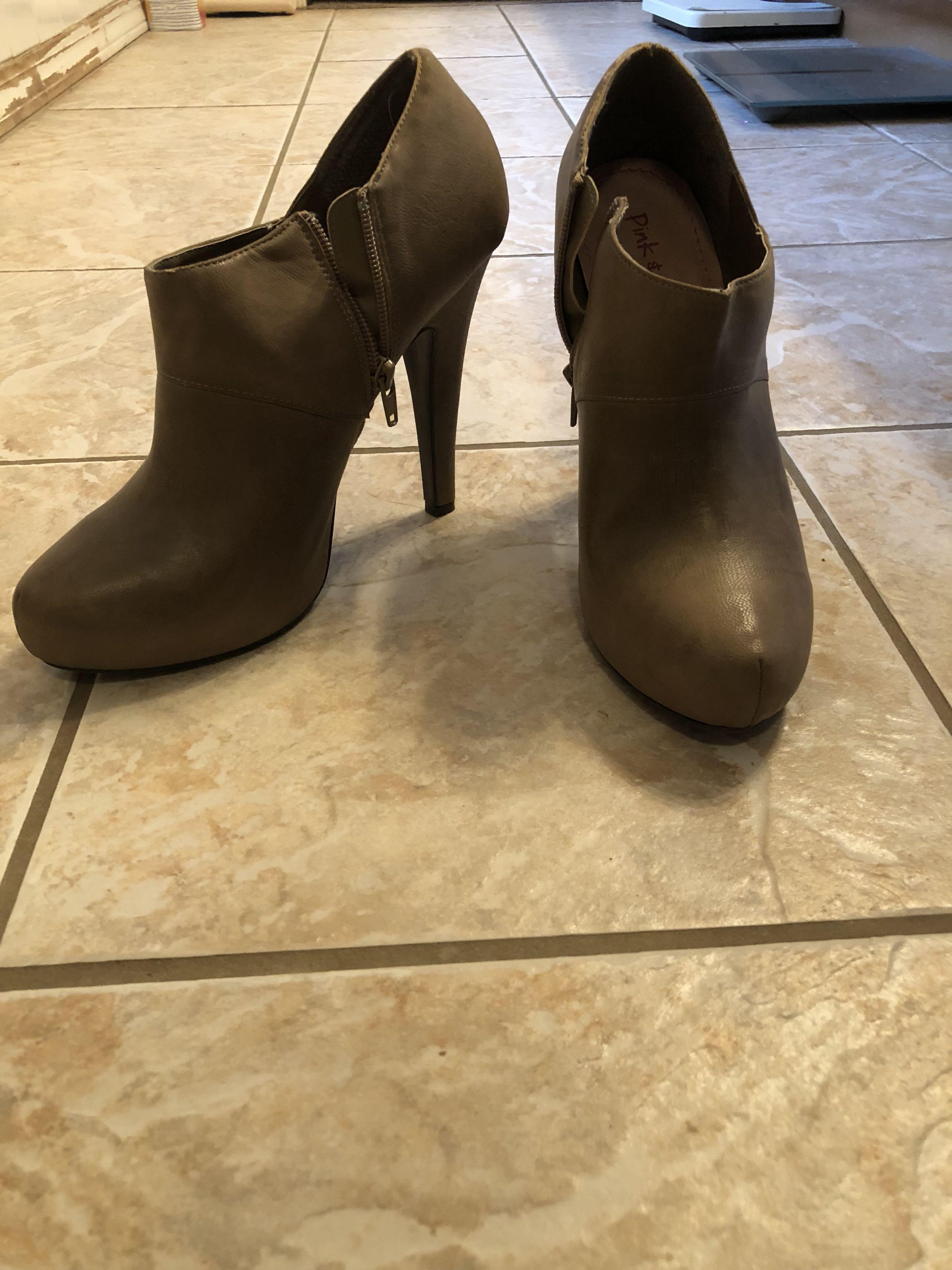 Women's booties. Gently worn. Size 10