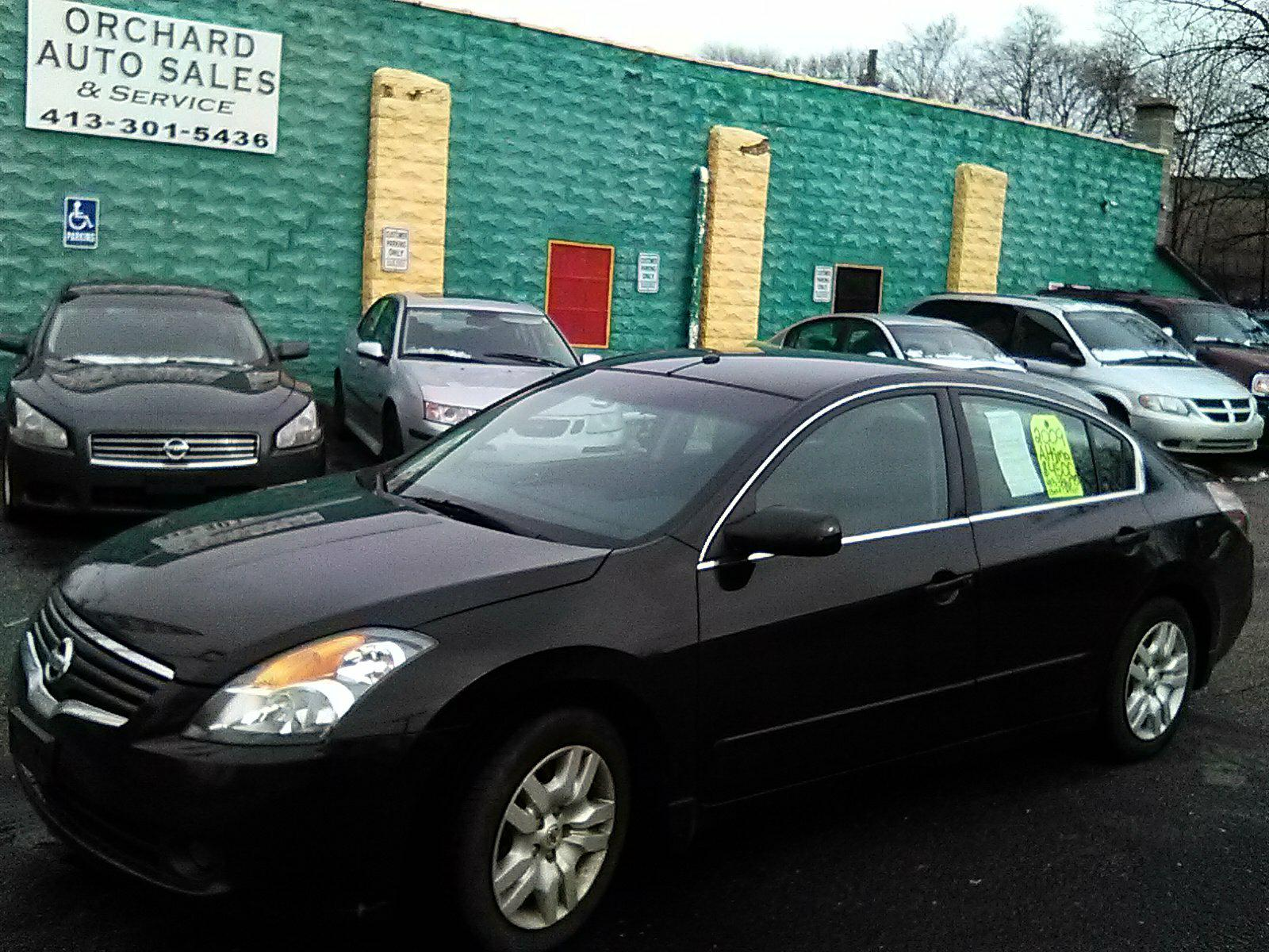 2009 Altima 2.5S has a replacement transmission with118000 on it. Dealer warranty. No rust and No body damage.