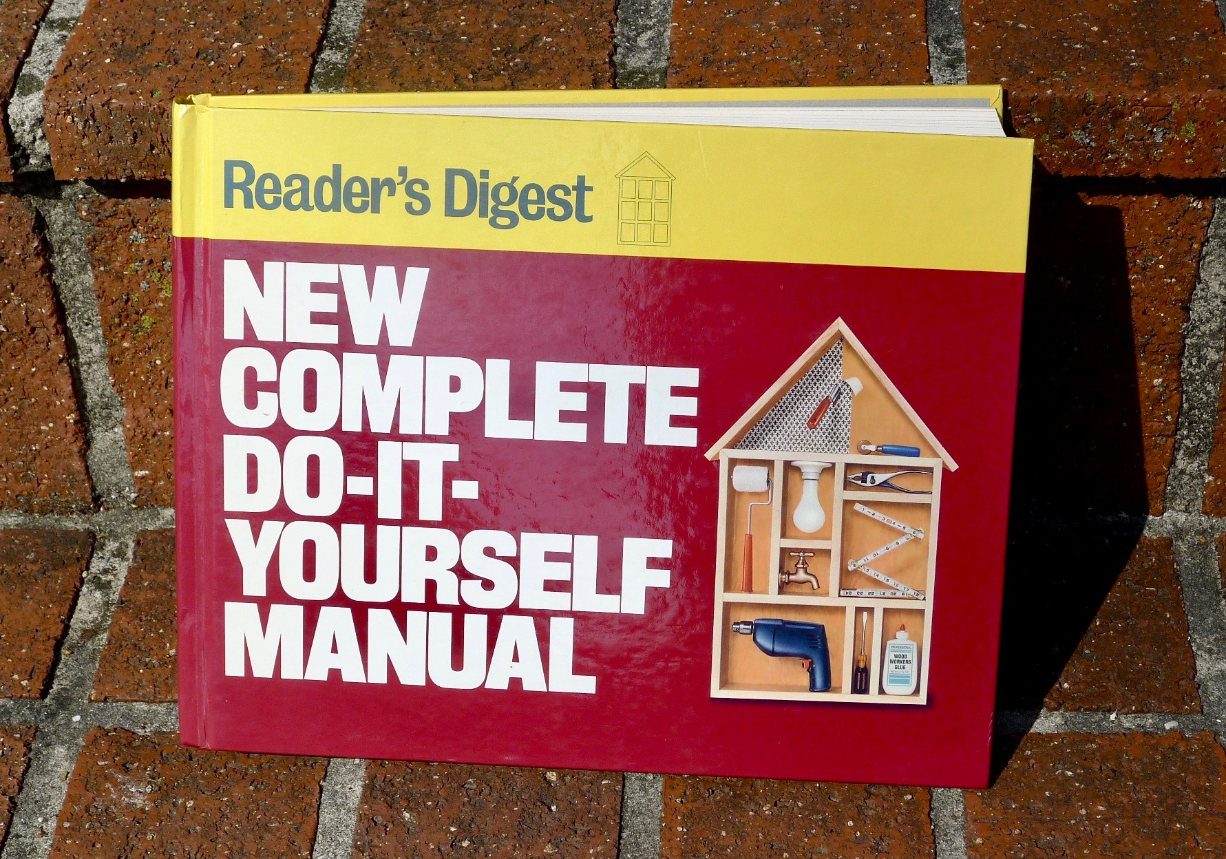 New Complete Do-It-Yourself Manual (Editors of Reader's Digest) - $10 (Bethesda)