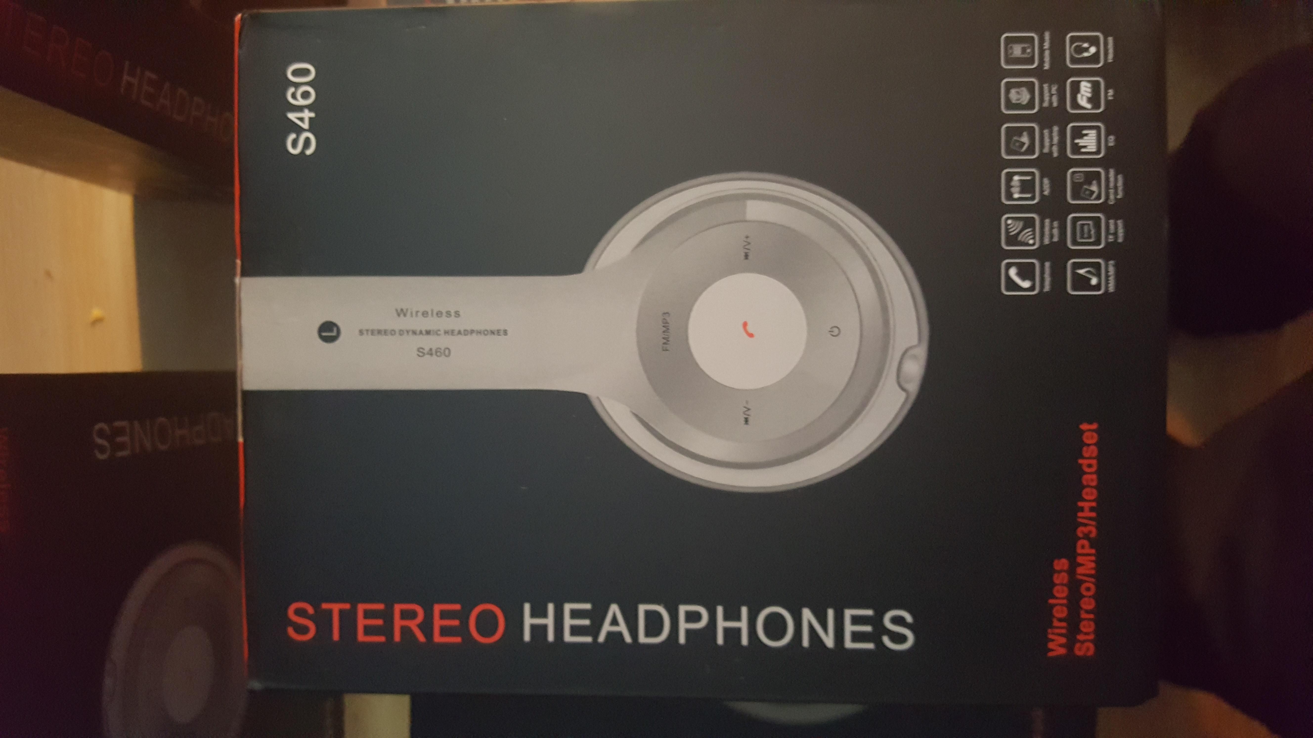 5 items of wireless headphones