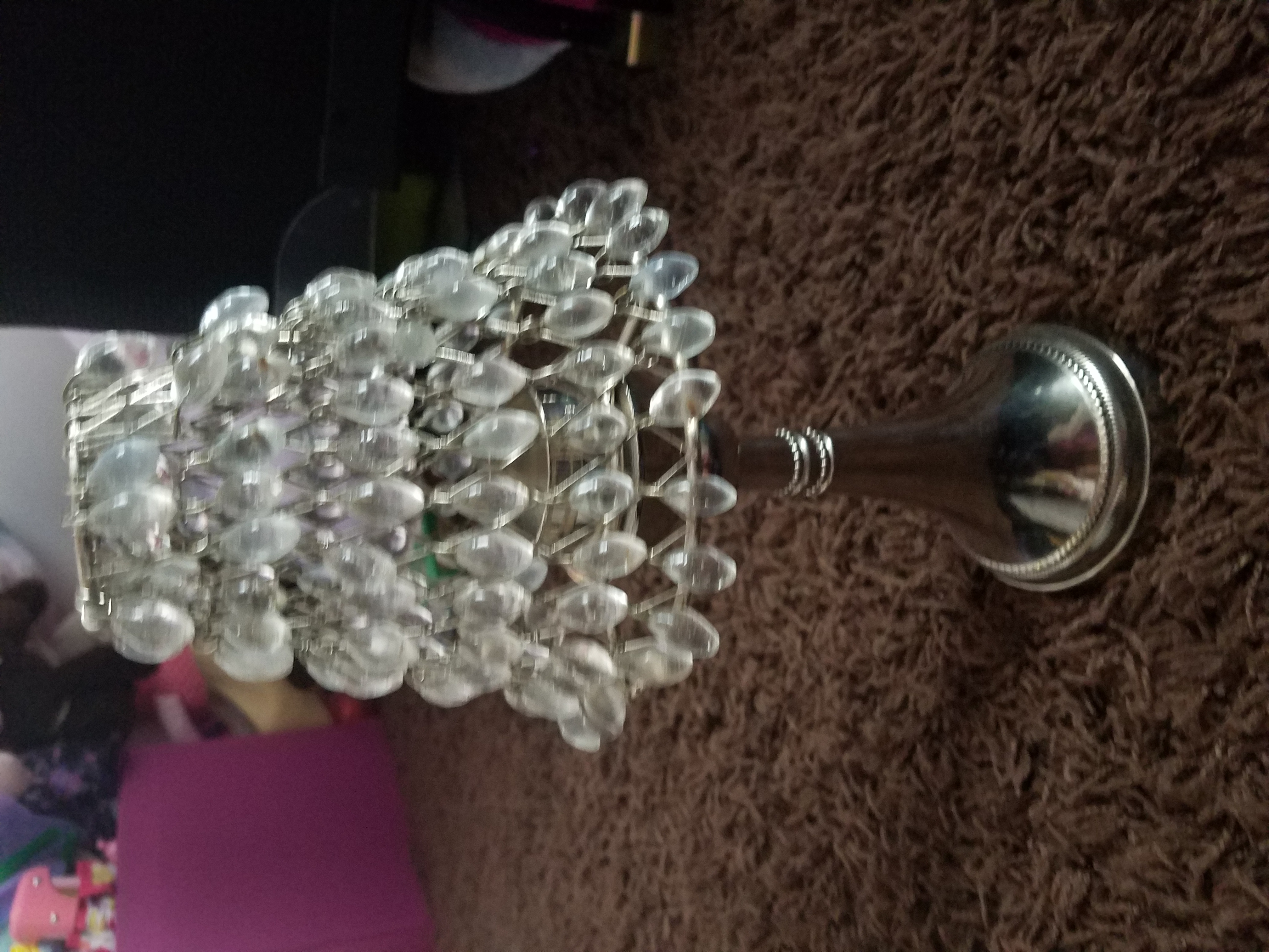 Tea light lamp with crystals