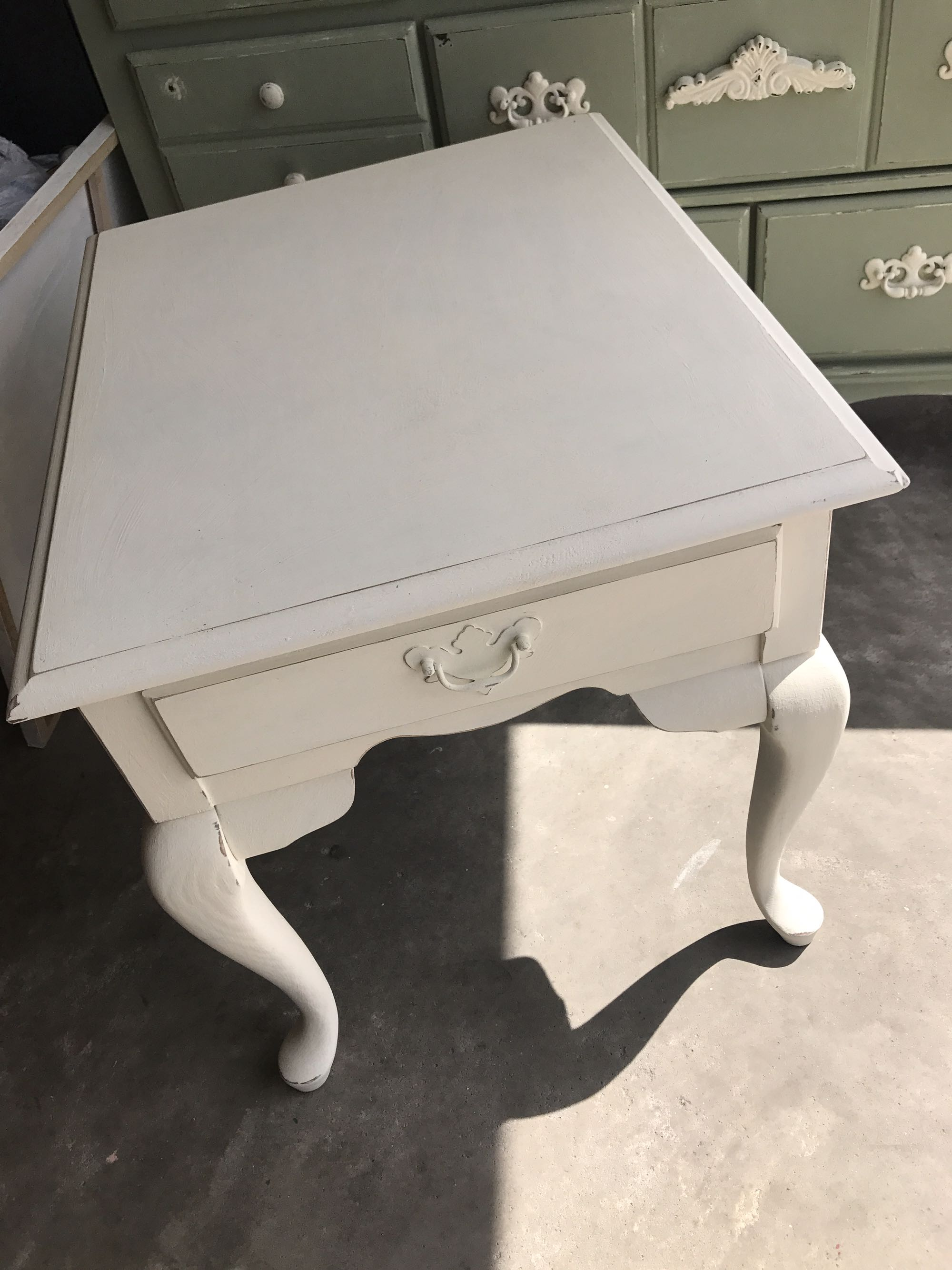 Broyhill Chalk painted side table - lightly distressed
