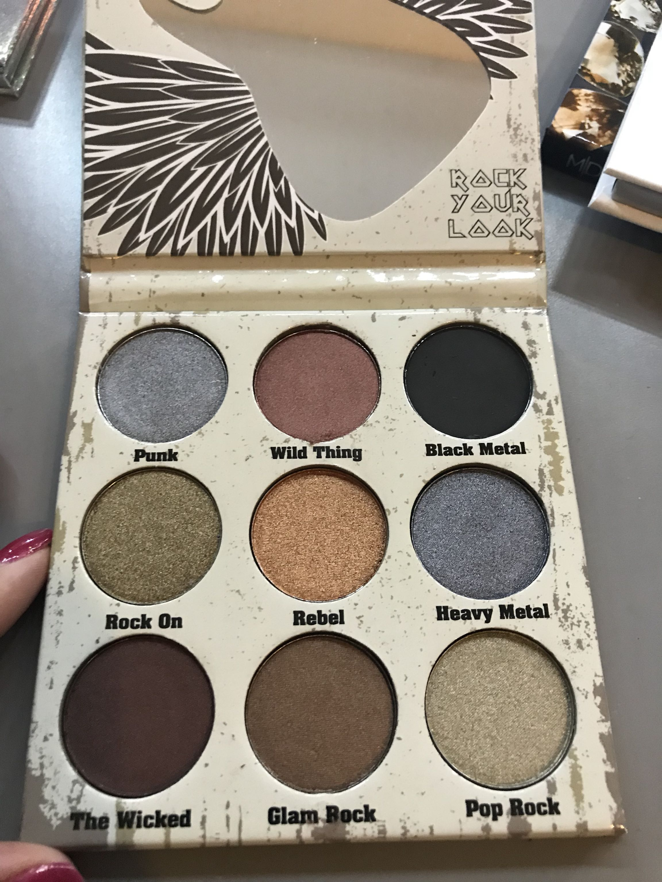 Crown Glam Metals palette