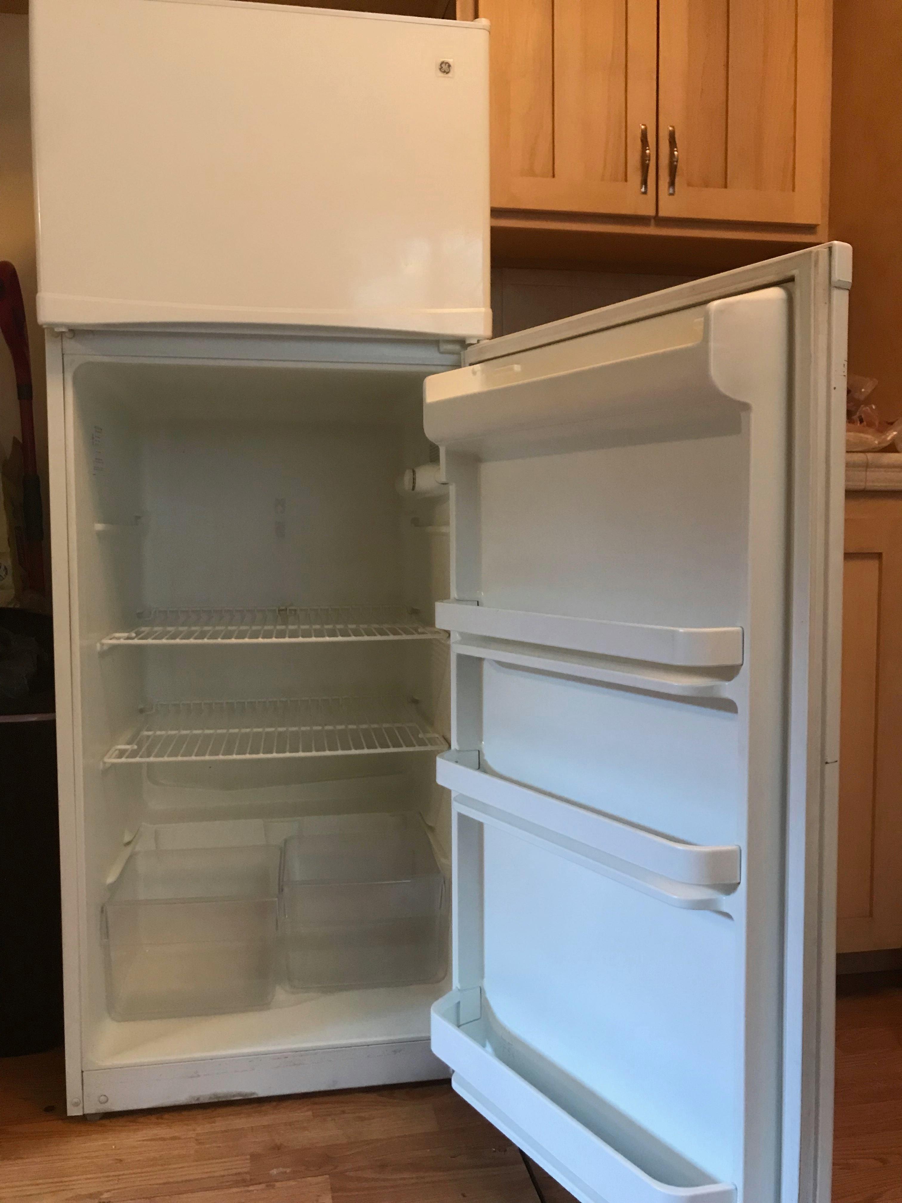 Office Size Fridge/Freezer