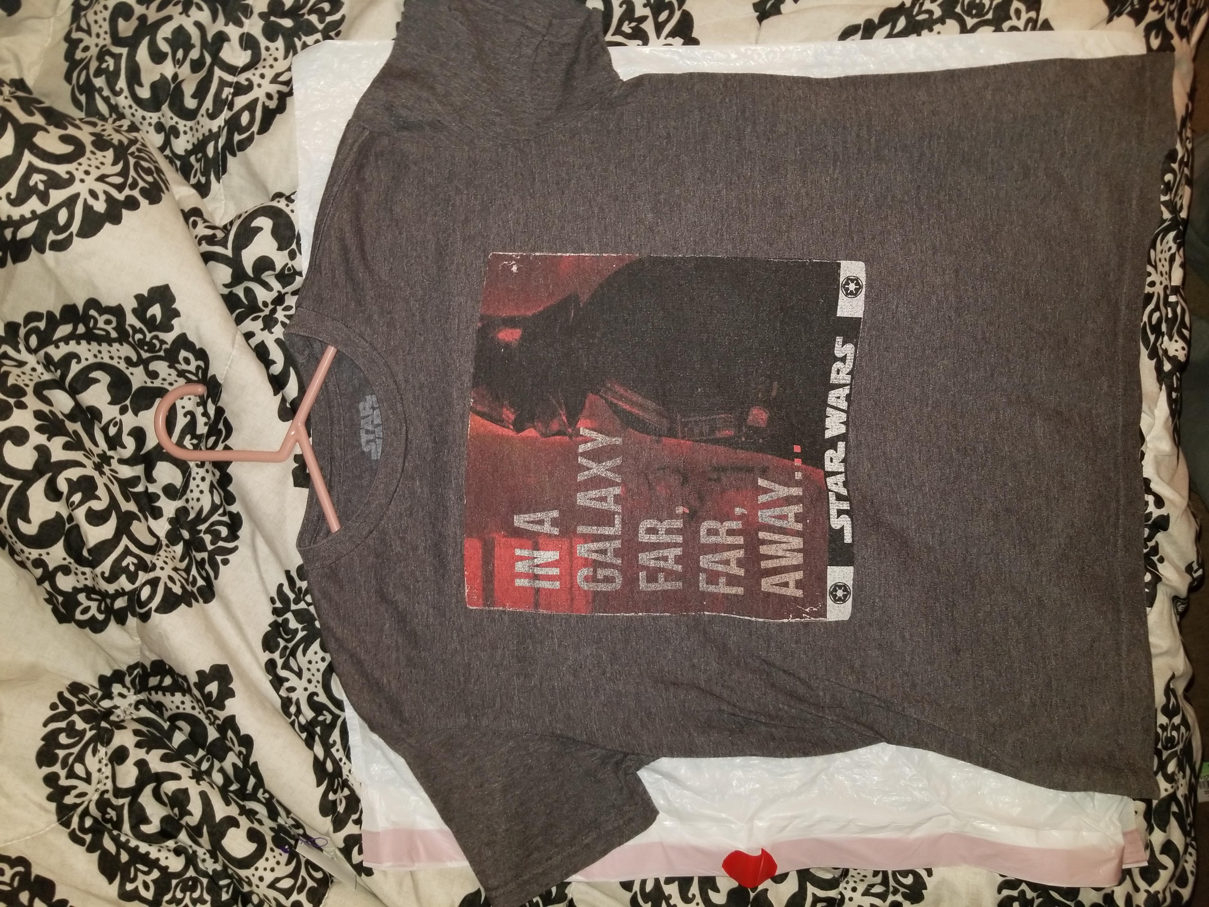Star Wars Graphic T-Shirt - Medium