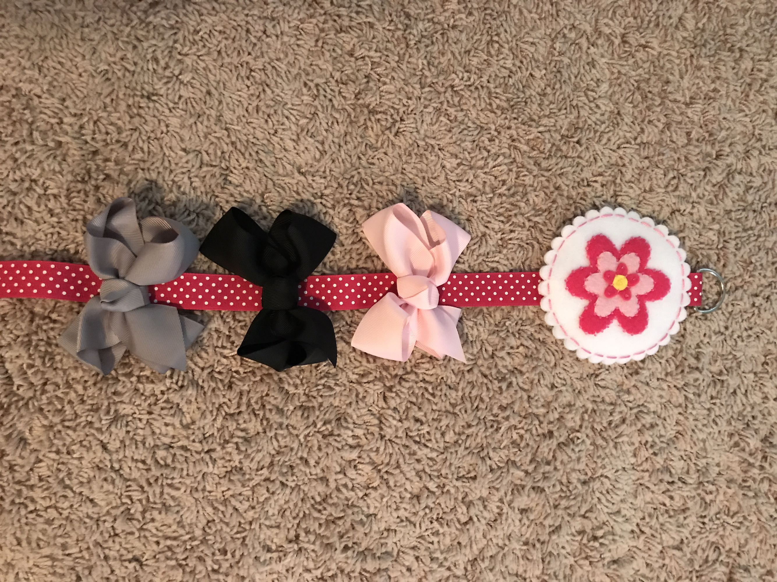 New Hairbow Holder w/3 new Hairbows