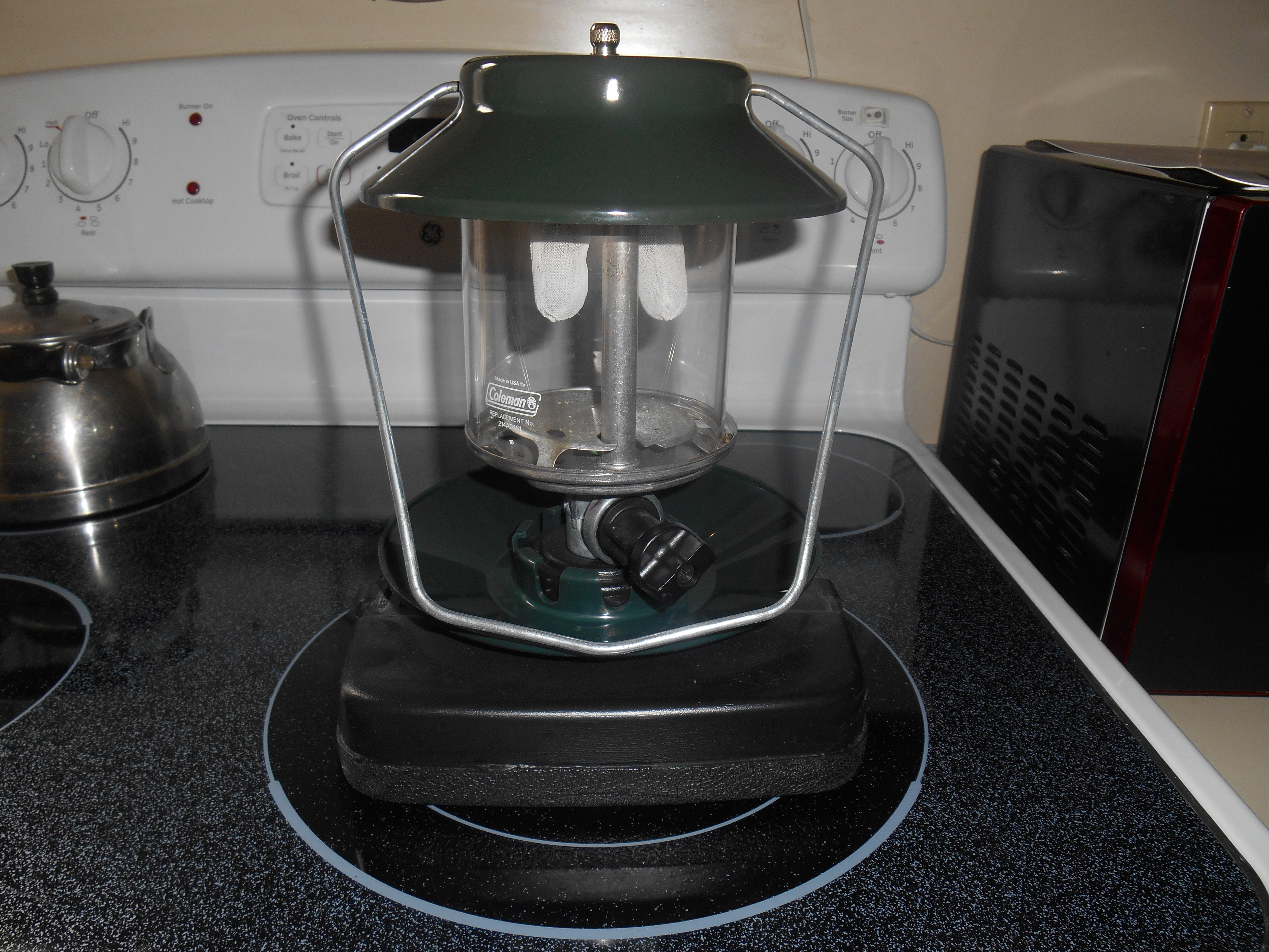 Coleman Lantern with Carrying Case
