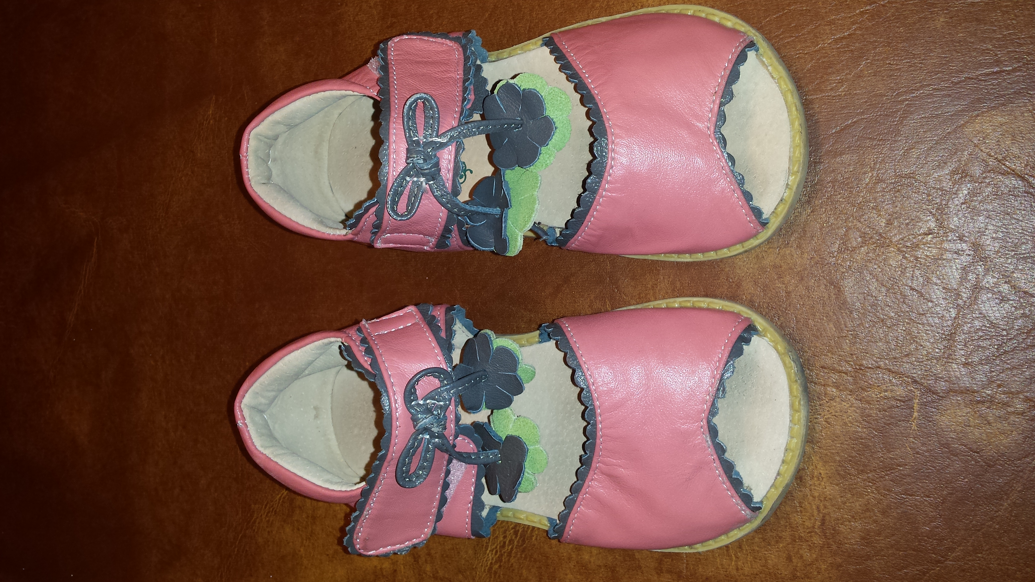 Girl's size 9 Leather Shoes