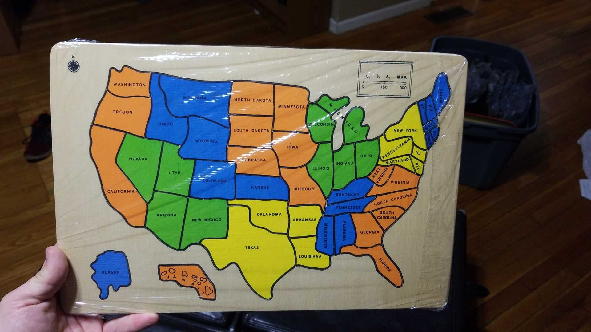 Solid solid USA map puzzle. Complete.