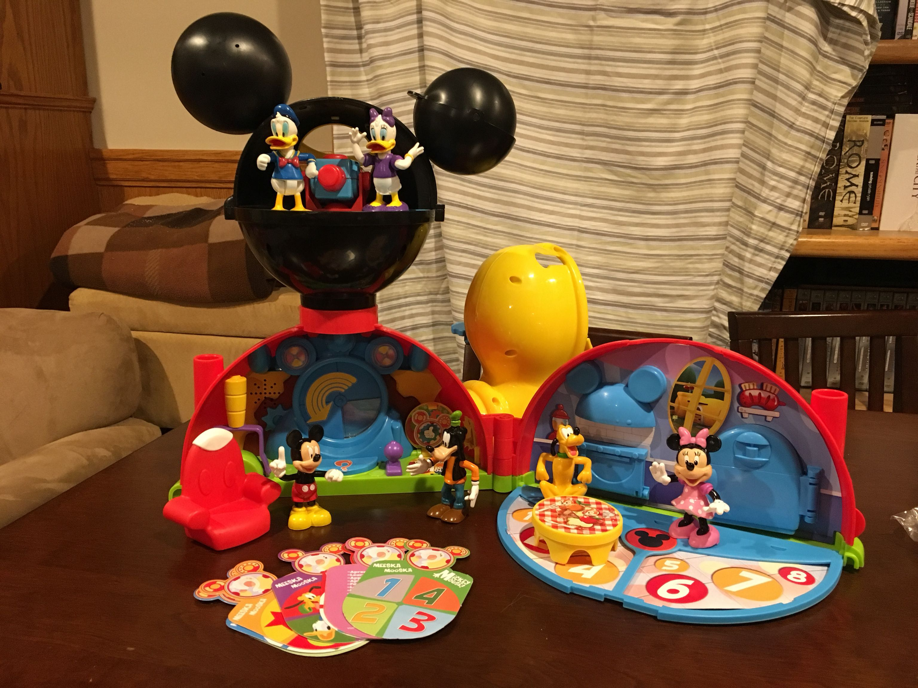 Micky Mouse playset