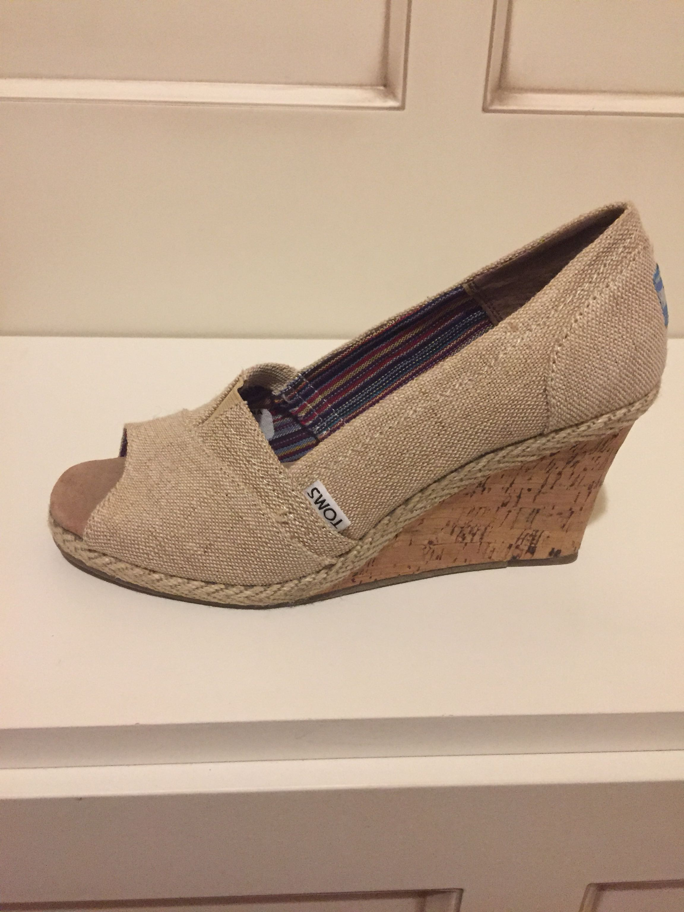 New...Toms open toe shoe