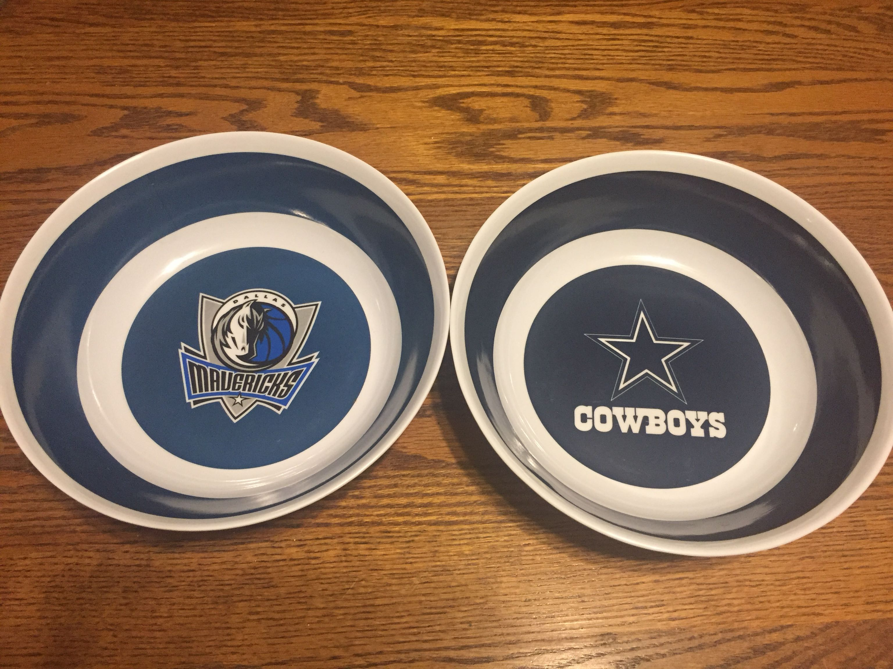 $2 Dallas Fans! Plastic bowls... great for chips, etc.. in EUC