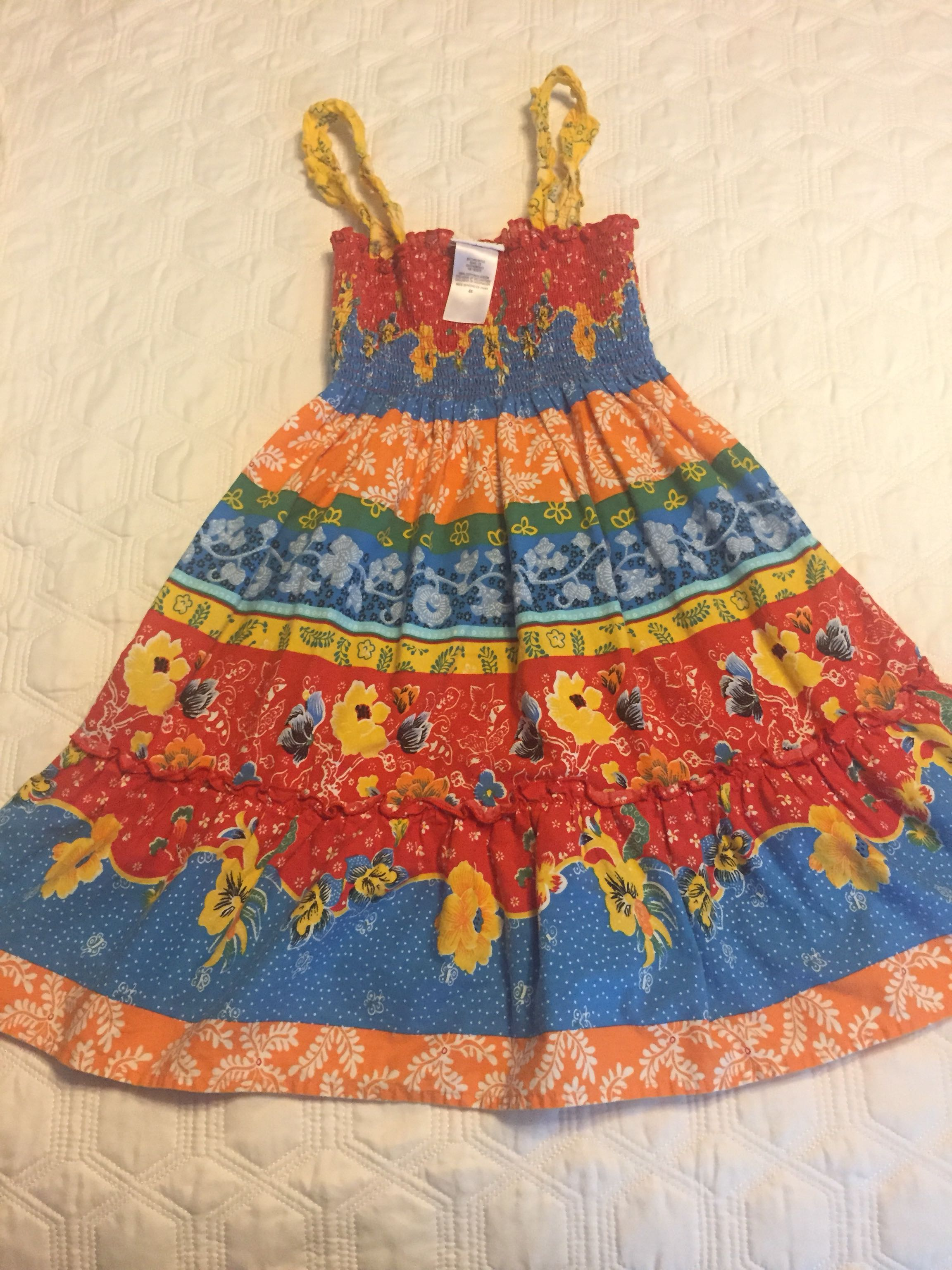 $4 Size 6x Vibrant Summer Dress in EUC. Only worn a few times.