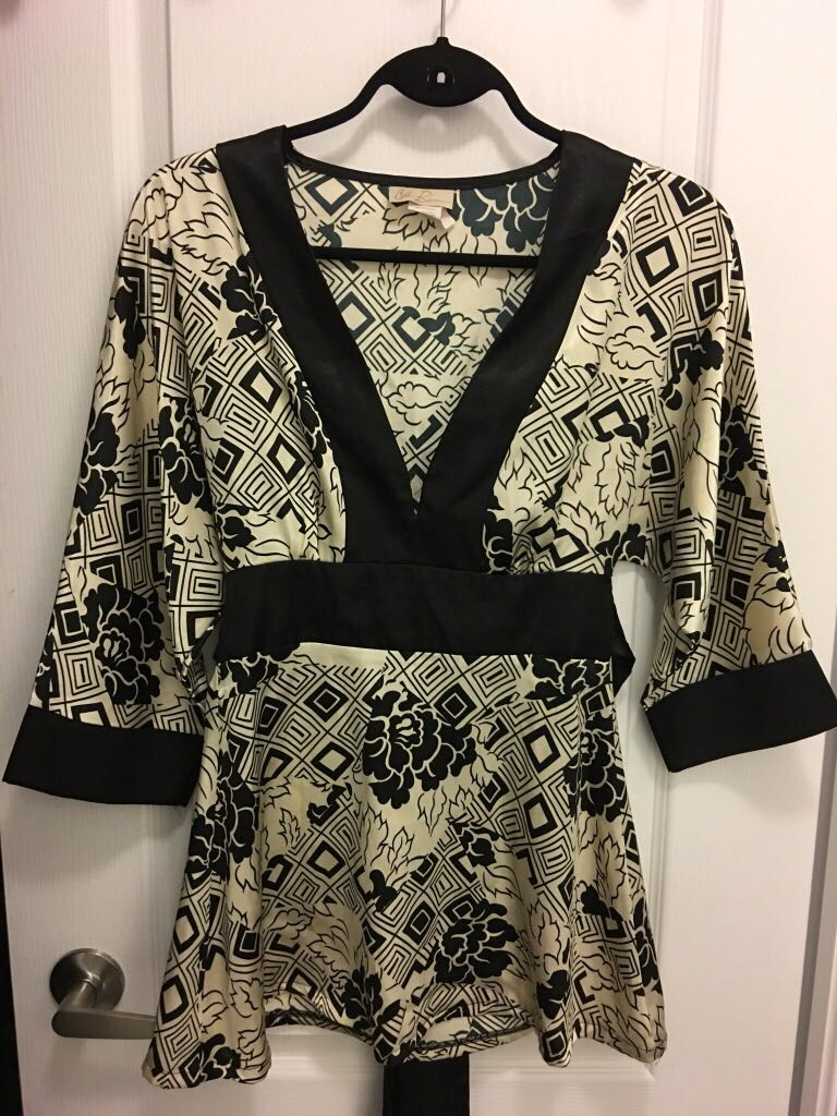 Kimono looking top