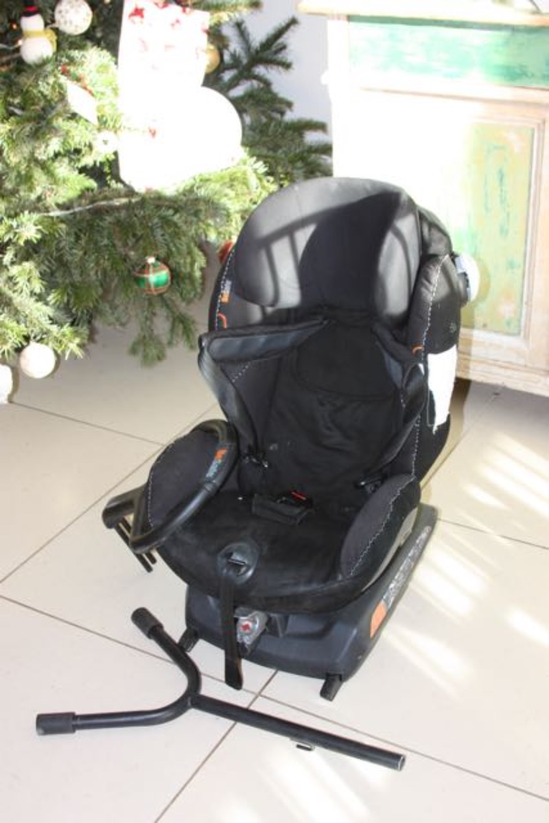 Vellidte Best Be Safe Izi Combi X3 Isofix Car Seat - Paid £350 for sale in NB-88