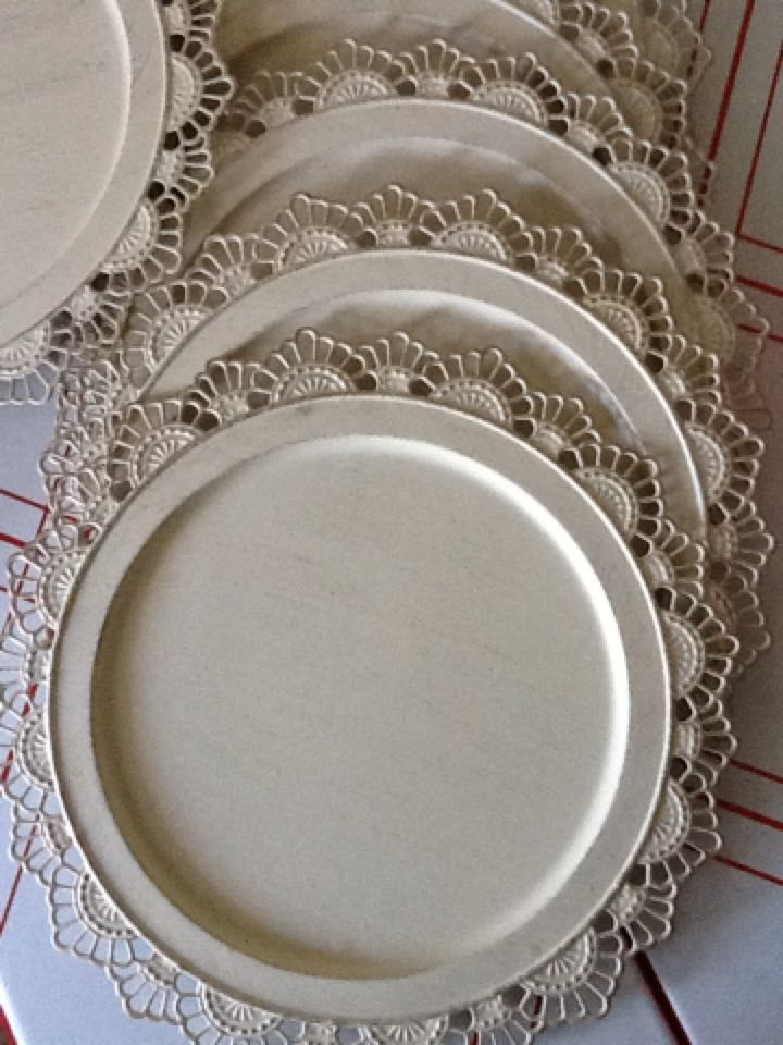 Preferred Find more Set Of 8 Cream Colored Metal Charger Plates With Lace  VZ64