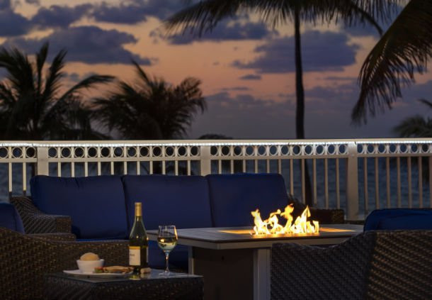 courtyard fort lauderdale beach vacation deals lowest. Black Bedroom Furniture Sets. Home Design Ideas