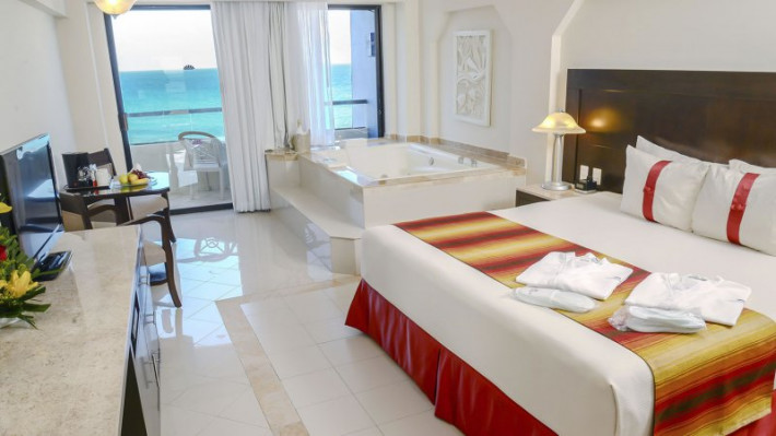 Crown Paradise Cancun >> Crown Paradise Club Cheap Vacations Packages Red Tag Vacations