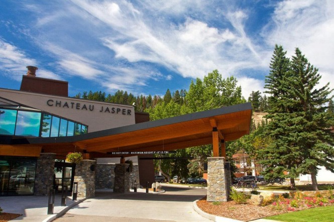 Chateau jasper vacation deals lowest prices promotions for Decore hotel jasper