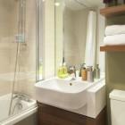 Citadines South Kensington Room Bathroom