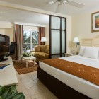 Comfort Suites Paradise Island Room