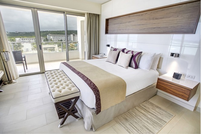 Diamond Club™ Luxury Presidential One Bedroom Suite