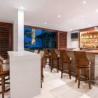 Holiday_Inn_Resort_Aruba_Bar