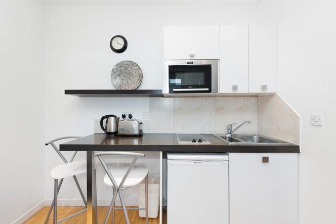 Hyde Park Executive Apartments vacation deals - Lowest Prices, Promotions, Reviews, Last Minute ...