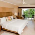 Mango_Bay_Room