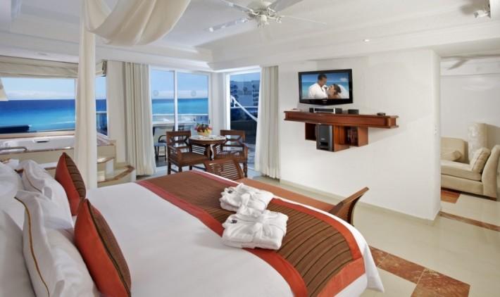 Master One-Bedroom Suite Ocean Front