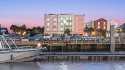 Hampton Inn & Suites Amelia Island Historic Harbor Front