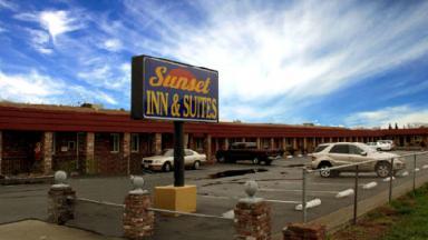 Sunset Inn & Suites West Sacramento