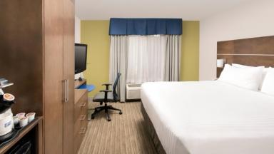 Holiday Inn Express Lawrence-Andover