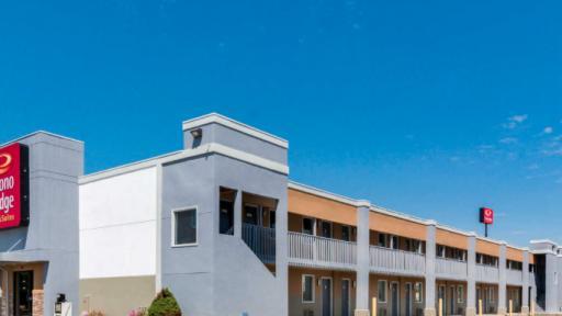 Econo Lodge Inn & Suites Columbus IN