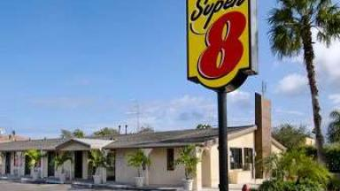 Super 8 Lantana West Palm Beach