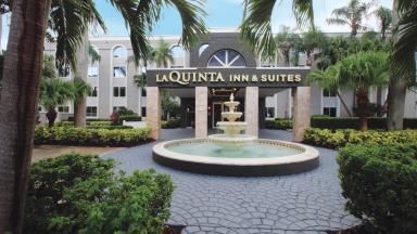 La Quinta Inn & Suites University Drive South
