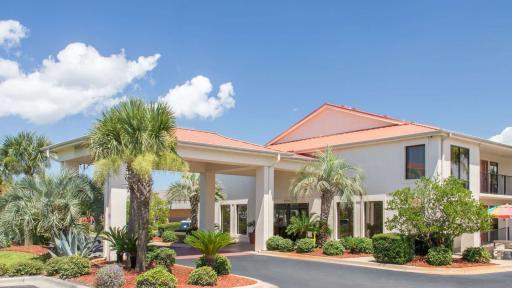 Days Inn & Suites Navarre Conf Ctr