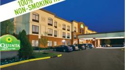 La Quinta Inn & Suites  Mount Laurel