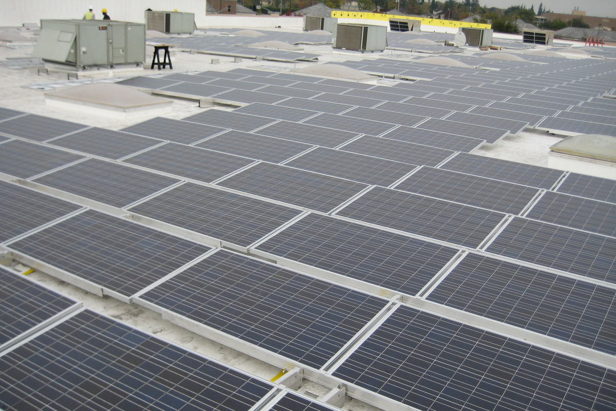 commercial solar rooftop array