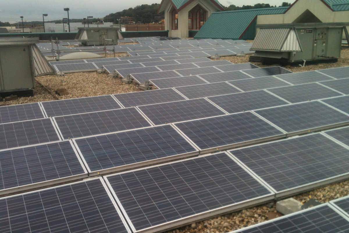 •	Gravel Ballasted Commercial Solar Rooftop