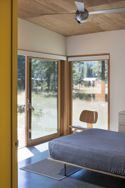 Modern Mountain Cabin Methow Valley Wa Natural Modern