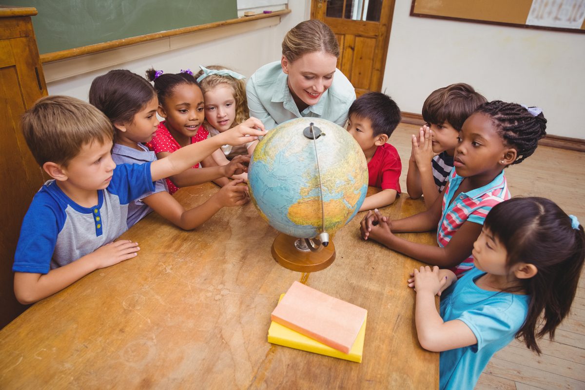 teach abroad, benefits teaching abroad, teach international, expat teachers, teach middle east