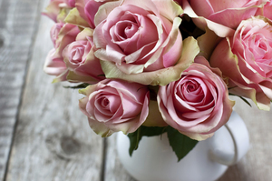 How to Choose Sympathy Flowers | Sunset Funeral Home & Memorial Park Evansville, IN