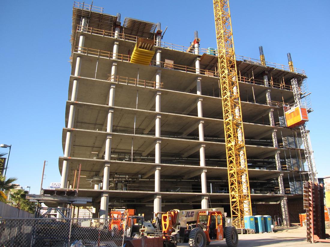 NoHo construction