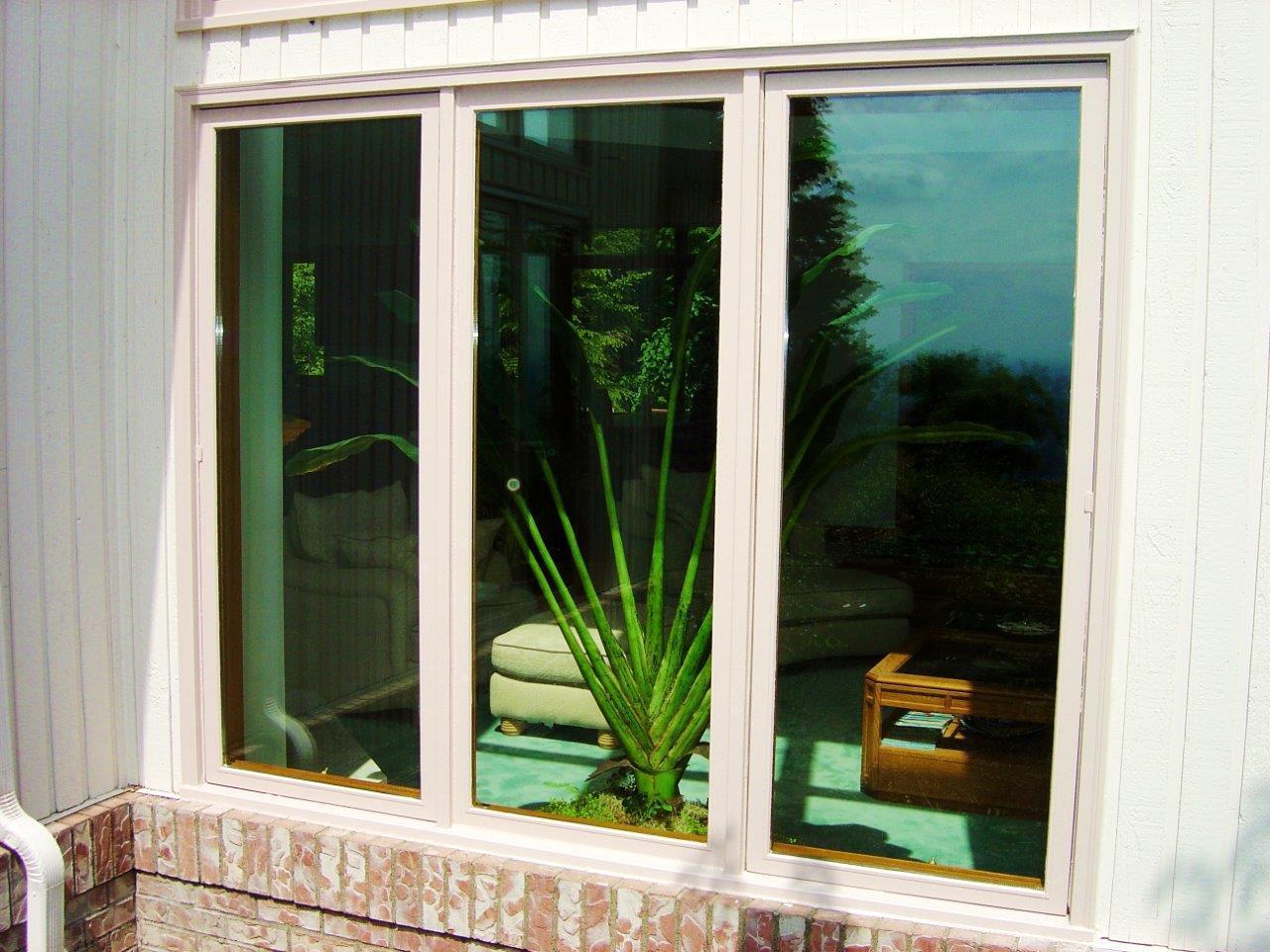 window company installs new replacement windows in Seattle, WA